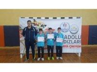 Kayseri'nin Yıldız Raketleri Analig'de Yarı Finalde
