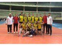 Alaşehir Belediyespor futbol ve voleybolda durdurulamıyor