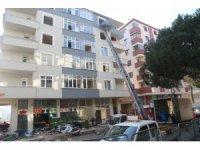 Kartal'da riskli binaların yıkımı sürüyor