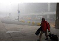 İstanbul'da hava trafiğine sis engeli