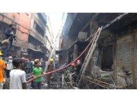 Bangladeş'teki yangın faciasının boyutu görüntülendi