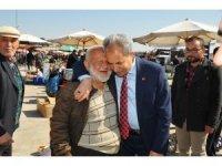 Başkan Akkaya'dan pazar esnafına ziyaret