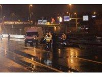 E-5'te yolun karşısına geçmeye çalışan şahsa araç çarptı: 1 ölü, 1 yaralı
