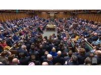 İngiliz hükümetinde iki istifa birden