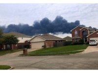 ABD'de petrokimya deposundaki yangın söndürülemiyor