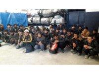 15 kişilik minibüste 40 kaçak göçmen çıktı
