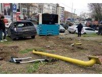 GÜNCELLEME - Halk otobüsü kaza yaptı