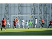 Atiker Konyaspor özel maçta Eskişehirspor'la 1-1 berabere kaldı