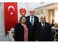 Başkan Kurt emekli astsubayları ziyaret etti