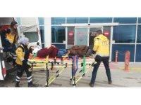 Ticari araçla motosiklet çarpıştı: 1 yaralı