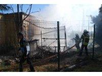 Halı saha tesisinde korkutan yangın