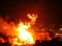 İsrail jetleri Gazze'ye saldırdı...