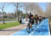 Yeni bisiklet yolu Rektör Kızılay'ın katılımıyla test edildi