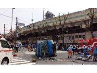 Japonya'da araç yayaların arasına daldı: 2 ölü