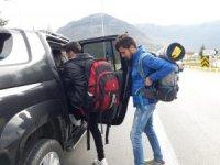 Otostopla Türkiye'yi geziyorlar