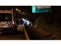 Adana'da otomobil bariyere çarptı: 1 yaralı