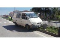 Minibüs bisiklete çarptı: 1 yaralı