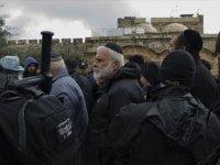 Polis korumasında provokasyon Fanatik Yahudiler yine Mescid-i Aksa'yı bastı!