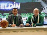 Aziz Bekir Konyaspor'a imzayı attı