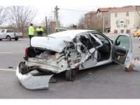 Aksaray'da tır ile otomobil çarpıştı: 3 ağır yaralı