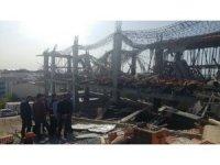 Arnavutköy'de bir inşaatta beton dökümü sırasında 3 işçi molozların arasında kaldı