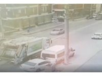 Kontrolden çıkan otomobilin temizlik görevlisine çarpma anı kamerada