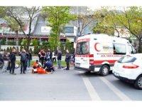 Bakırköy'de motosiklet yayaya çarptı