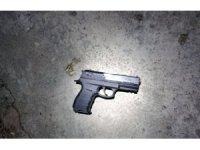 Adam yaralayan 9 kişi 11 silahla yakalandı