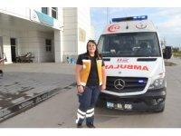 Kadın ambulans şoförü yollara meydan okuyor
