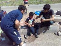 Malatya'da otomobil refüje çarptı: 4 yaralı