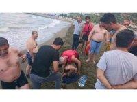 Rip akıntısına kapılan 2 kişi son anda kurtarıldı