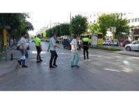 Trafik polislerinden öncelik yayanın uygulaması