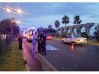 Motosiklet yayaya çarptı: 1 ölü, 1 ağır yaralı