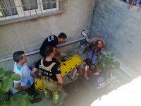 Bisikletinin freni tutmayan çocuk, 2 buçuk metrelik boşluğa düştü