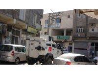 Nusaybin'de HDP ve DBP binaları ile bazı belediye yöneticilerinin evinde arama yapıldı