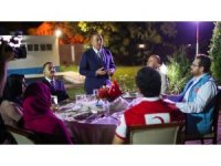 Dışişleri Bakanı Çavuşoğlu Sudan'daki Türkler ile bir araya geldi