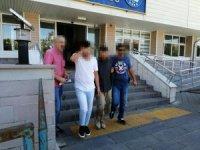 Uyuşturucu madde ticareti yapan 5 şüpheli tutuklandı