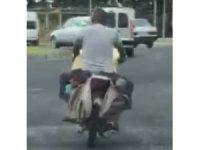 Motosikletin heybesinde tehlikeli yolculuk