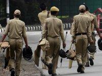 Hindistan Cammu Keşmir'e 125 bin kişilik ilave güvenlik gücü konuşlandırdı