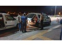 Motosiklet hırsızlarını mahalle bekçileri yakaladı