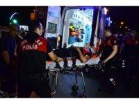 Adana'da otomobil ile motosikletli yunus ekibi çarpıştı: 1 polis yaralandı
