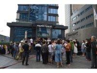 Bayrampaşa'daki bir otelde çıkan yangın paniğe sebep oldu