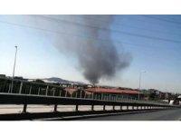 Tuzla'da deri sanayi bölgesinde yangın çıktı. Olay yerine çok sayıda itfaiye ekibi gönderildi.