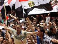 Korku duvarı Tahrir'de yıkılıyor