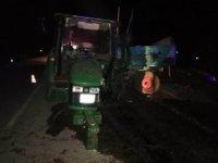 Traktöre çarpıp savrulan kamyon tarladaki çiftçiyi ezdi: 1 ölü, 2 yaralı