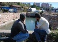 Sulama kanalına düşen işçi koybuldu