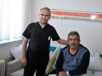 """Selçuk Üniversitesi Tıp Fakültesi'nde byin damarına """"literatürlük"""" müdahale"""