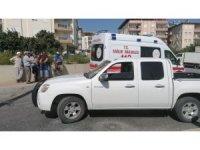 Antalya'da motosiklet ile kamyonet çarpıştı: 2 yaralı