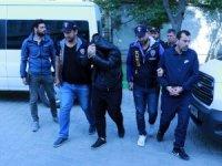 GÜNCELLEME - Cezaevi firarisi ile hükümlü arkadaşı çatı katında yakalandı