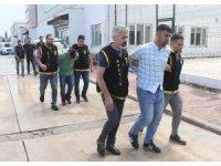Silah sıkarak halkın huzurunu bozan 3 kişi tutuklandı